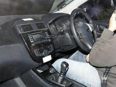 Шпионы рассекретили интерьер нового Nissan Almera