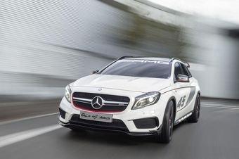 Mercedes представил в Лос-Анджелесе AMG-версию нового кроссовера GLA